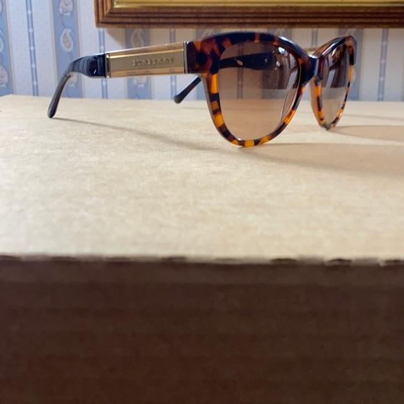 Brown tortoise shell Burberry sunglasses